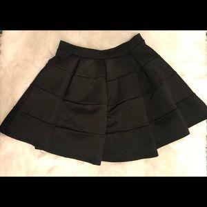 ✨Windsor black Mini Skirt Sz (S) ✨